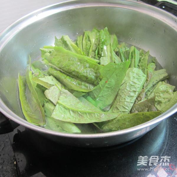 花生粉拌莴笋叶的家常做法