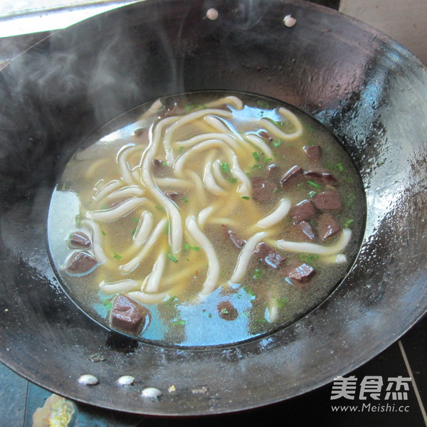 猪血粉条汤怎么煮