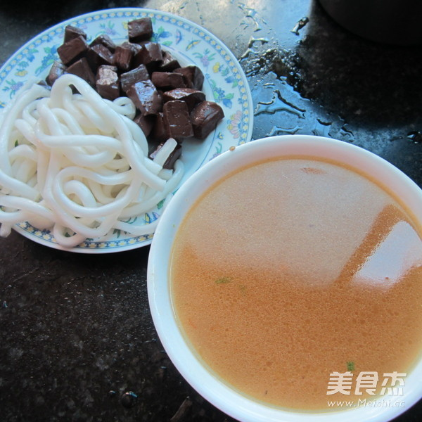 猪血粉条汤的做法大全