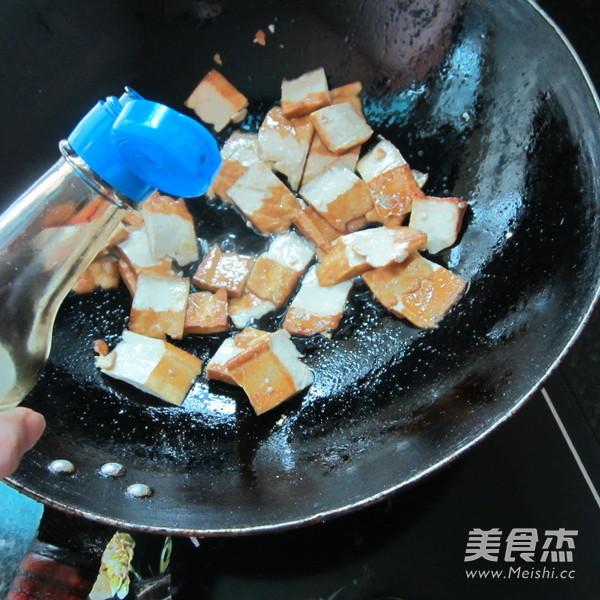 蒜米孜然香干怎么吃