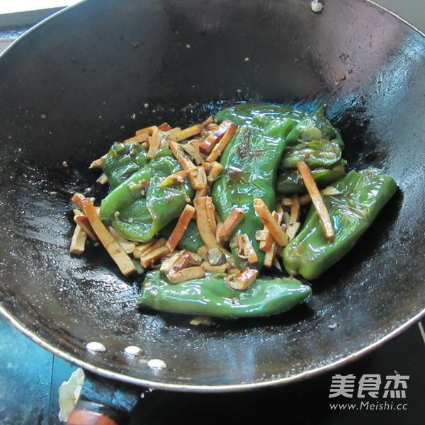 煎辣椒烧豆腐丝怎么炖