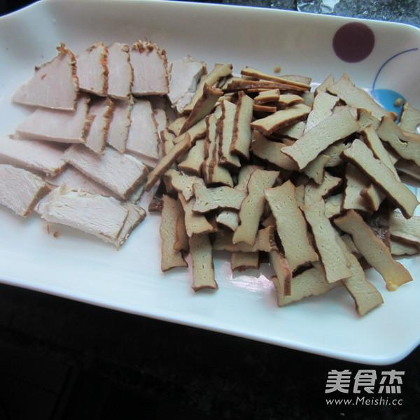 蒜香卤肉卤香干的家常做法