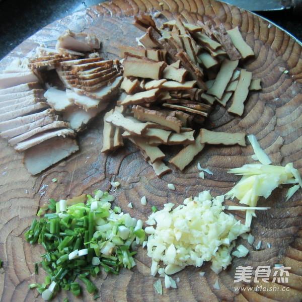 蒜香卤肉卤香干的做法图解
