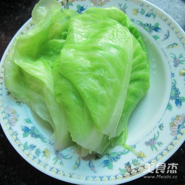 香煎翠绿包菜卷的简单做法
