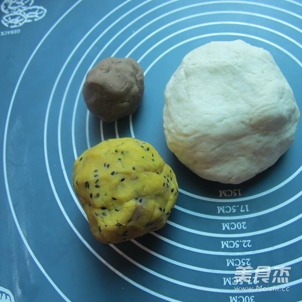 芝麻豆沙馅月饼的做法大全