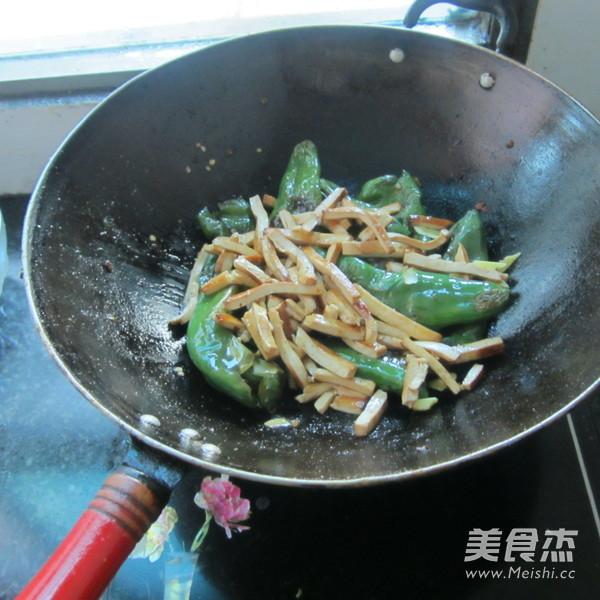 煎辣椒烧豆腐丝怎么煮