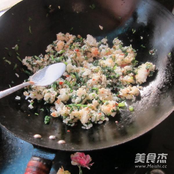 芥菜鸡蛋炒饭怎么吃
