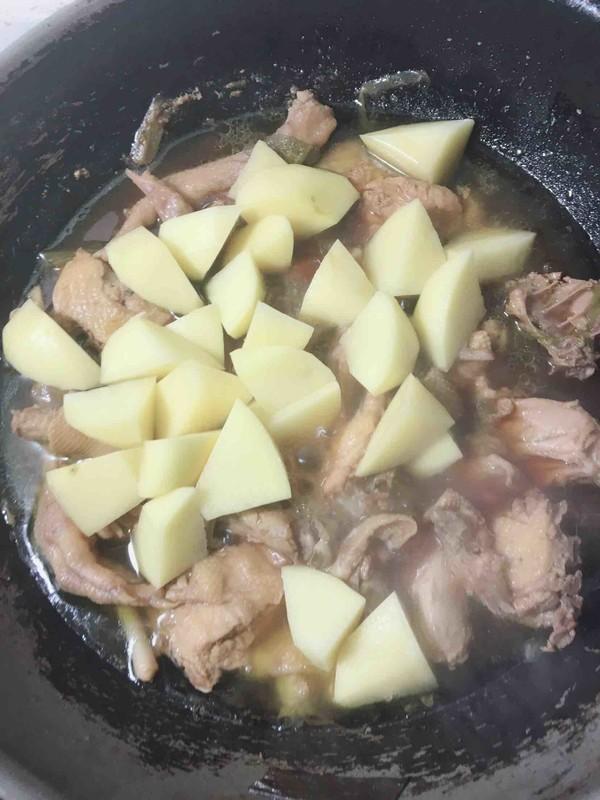 三黄鸡炖土豆怎么炒