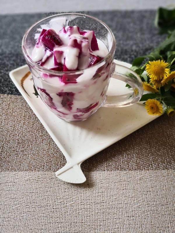 火龙果酸奶杯的简单做法
