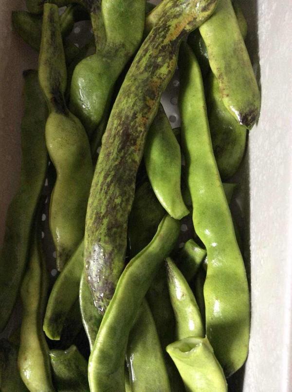 五花肉炖面豆的做法图解