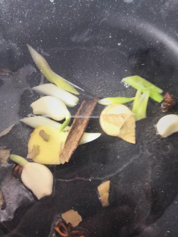 三黄鸡炖土豆怎么吃