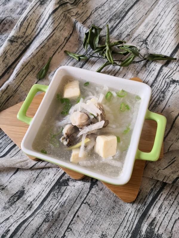 蛎蝗萝卜豆腐汤成品图