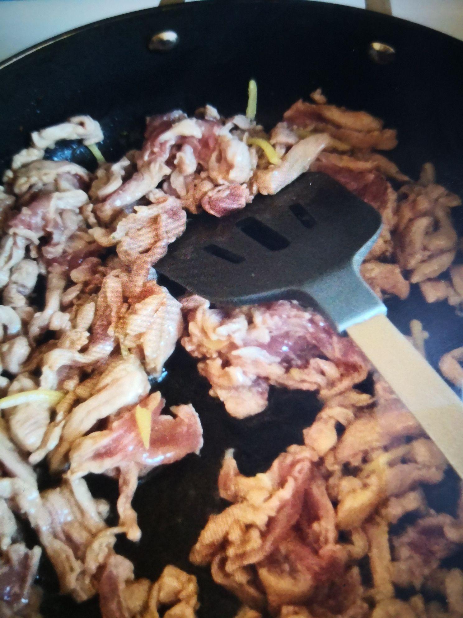 肉丝炒金针菇的简单做法