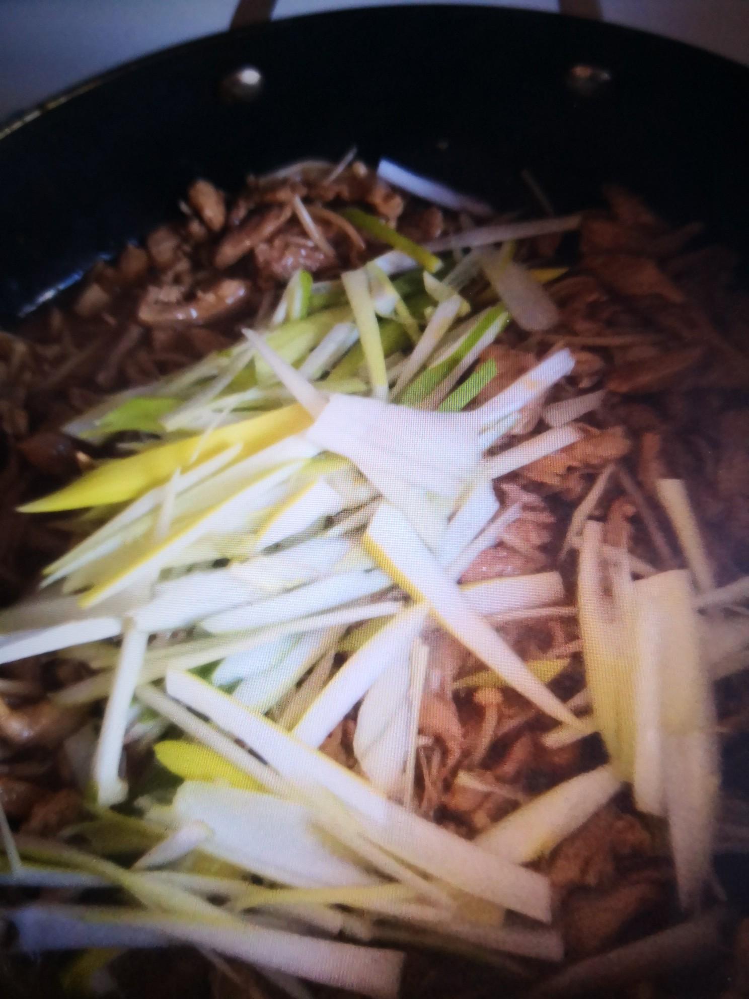 肉丝炒金针菇怎么炒