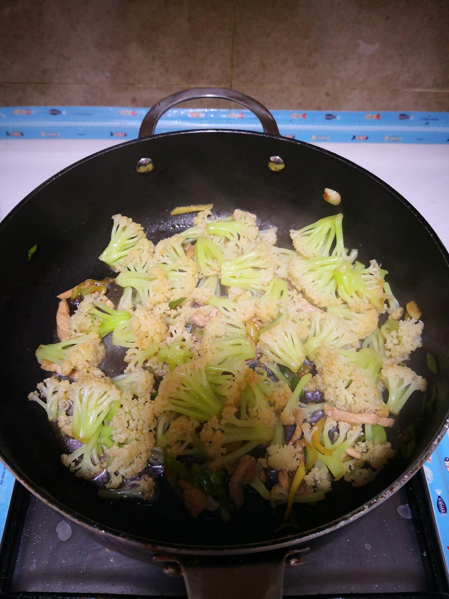 肉丝炒有机菜花怎么炒
