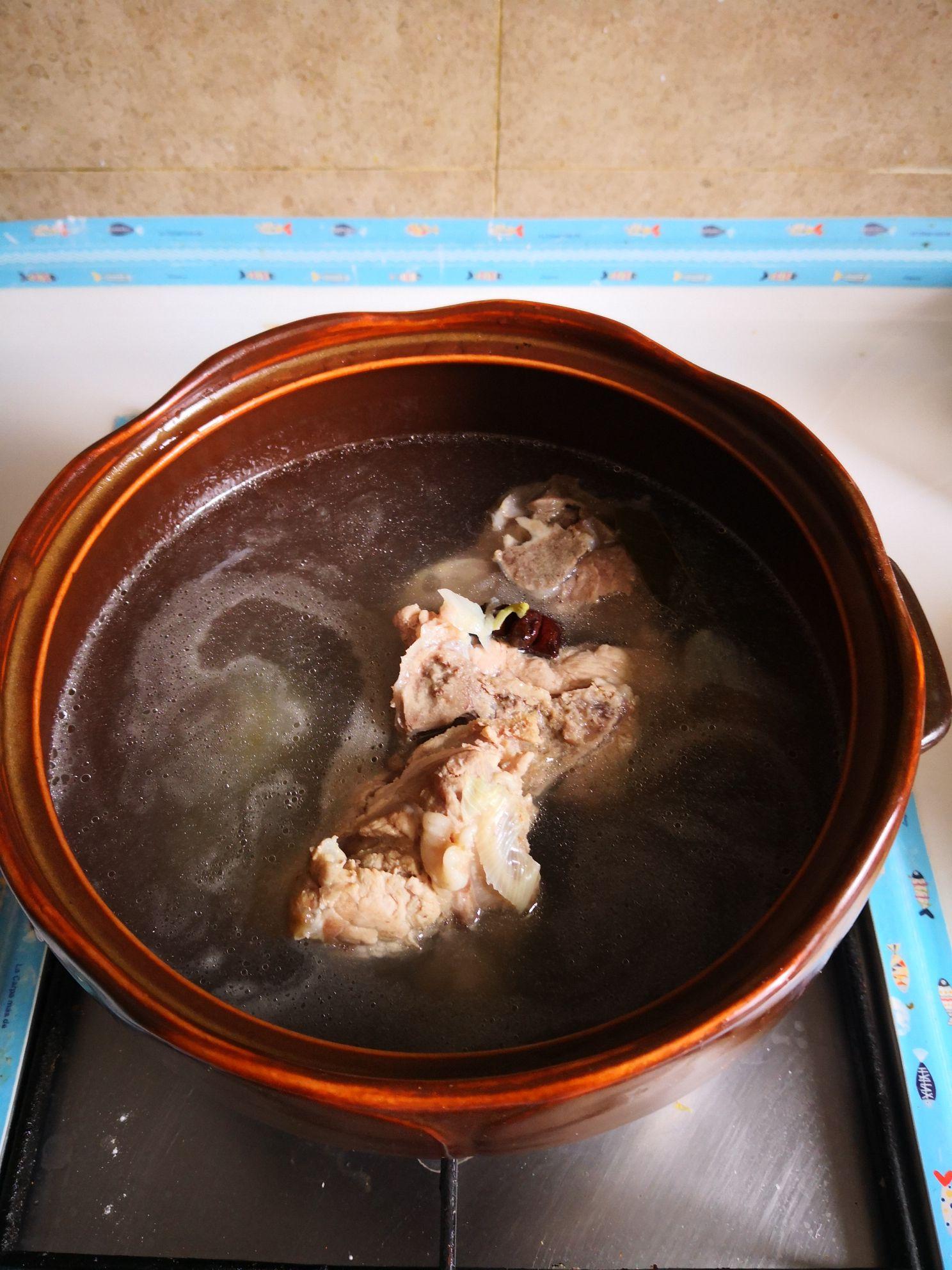 脊骨酸菜汤的家常做法
