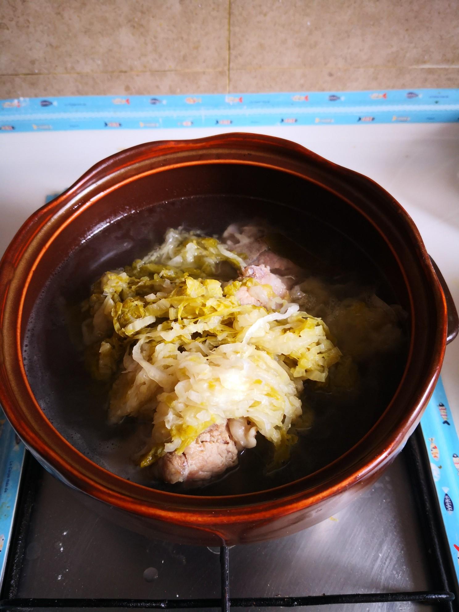 脊骨酸菜汤的简单做法