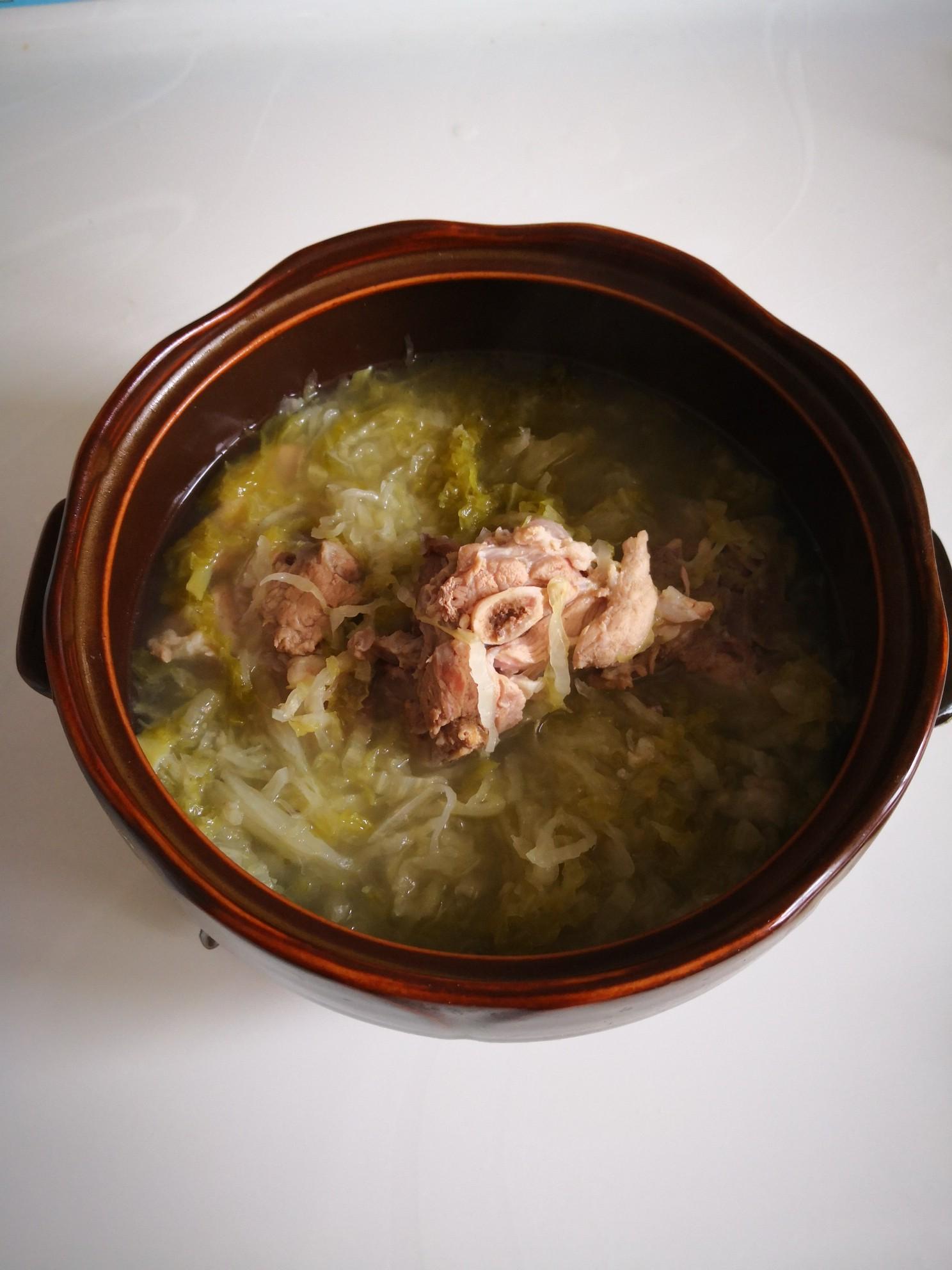 脊骨酸菜汤怎么吃