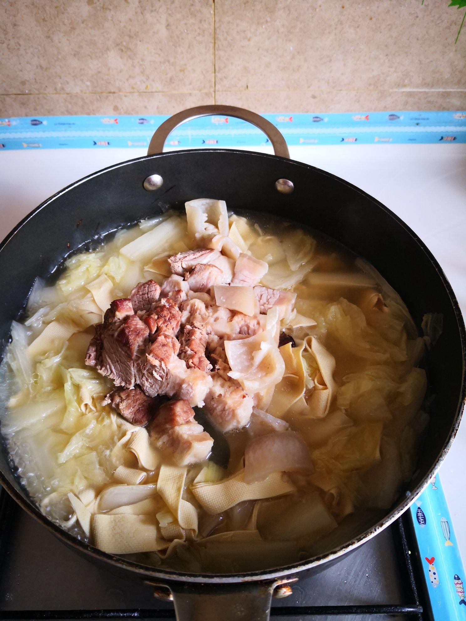 五花肉炖干豆腐怎么炒
