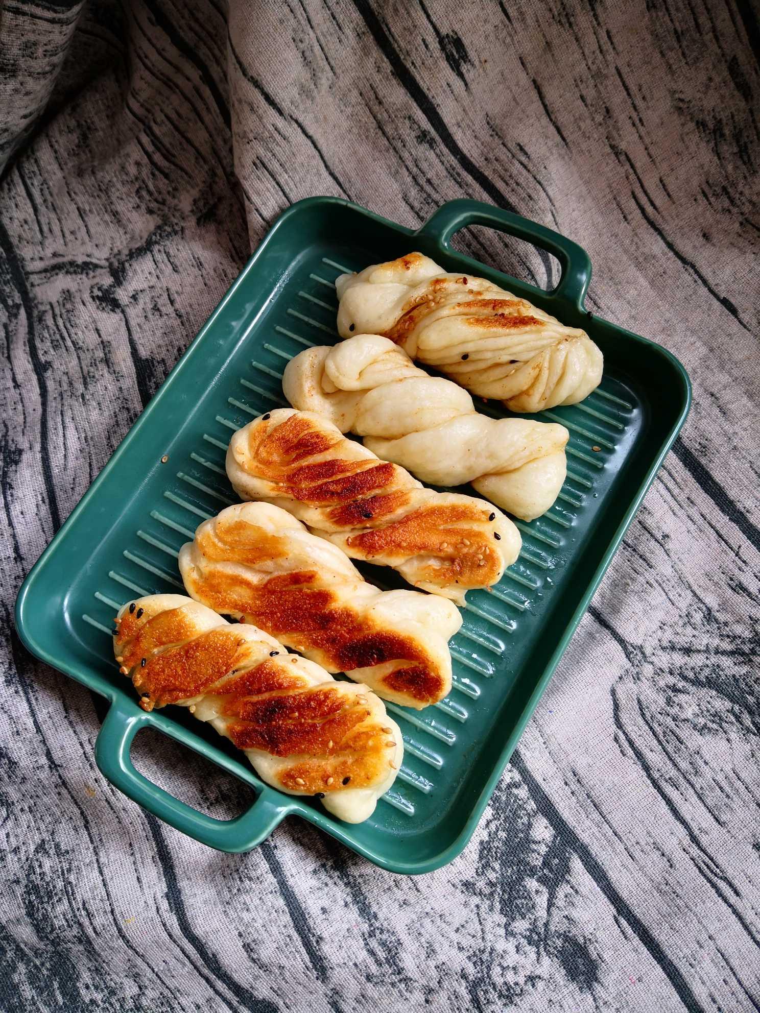 电饼铛花卷怎么煮