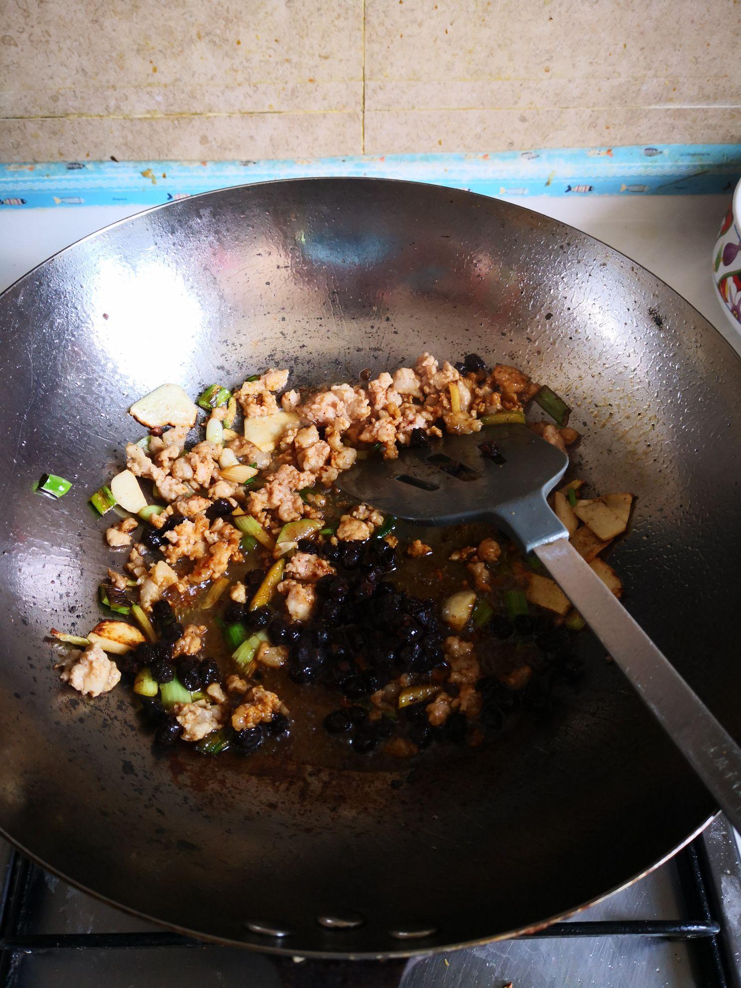 豆豉茄丝的家常做法