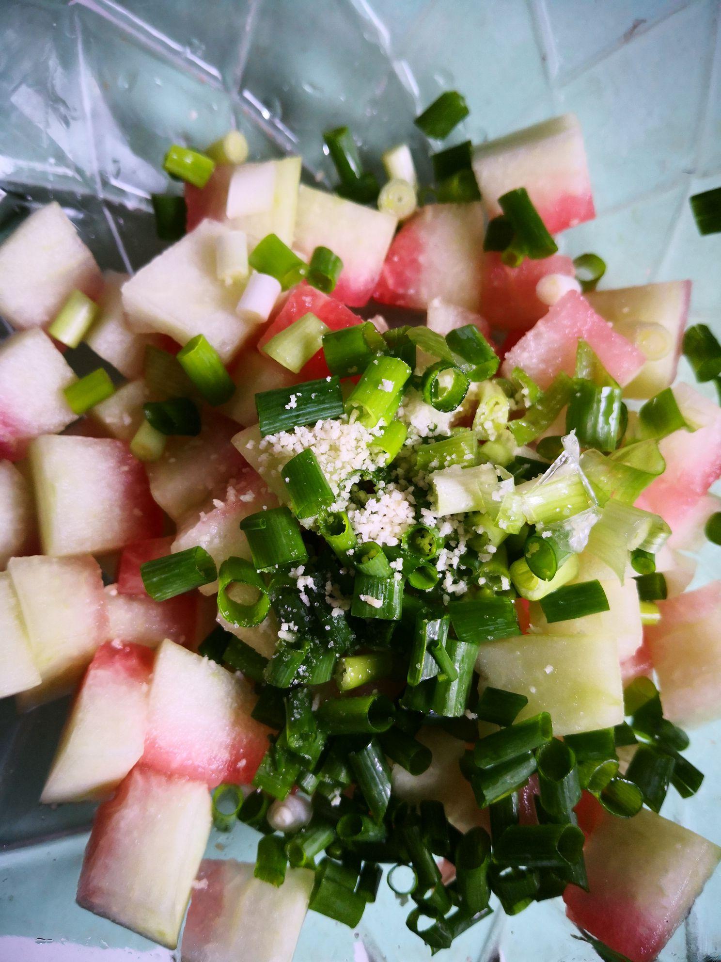 小米辣拌西瓜皮怎么吃