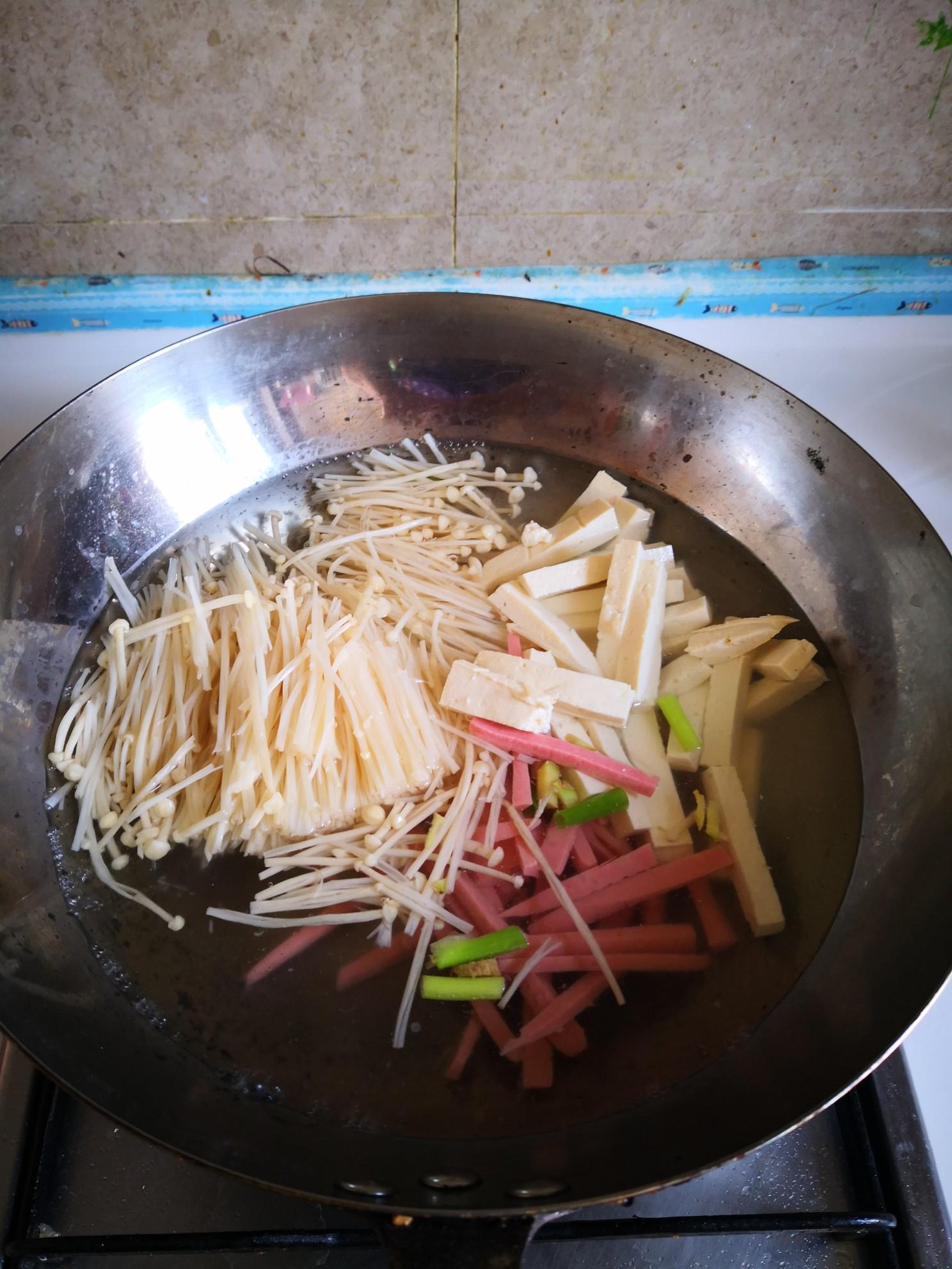 火腿肠豆腐汤怎么做