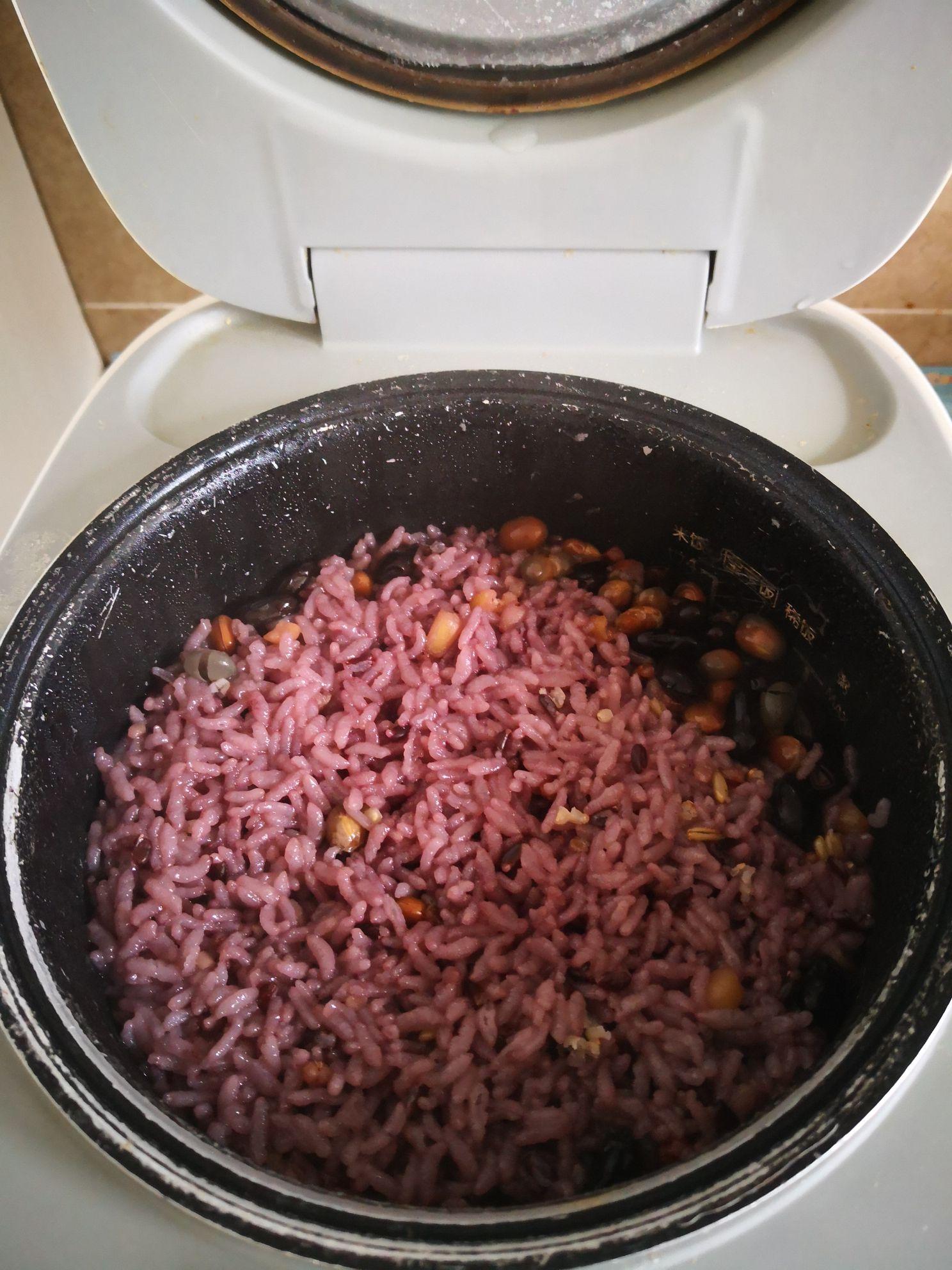 蛋包多谷米饭怎么做