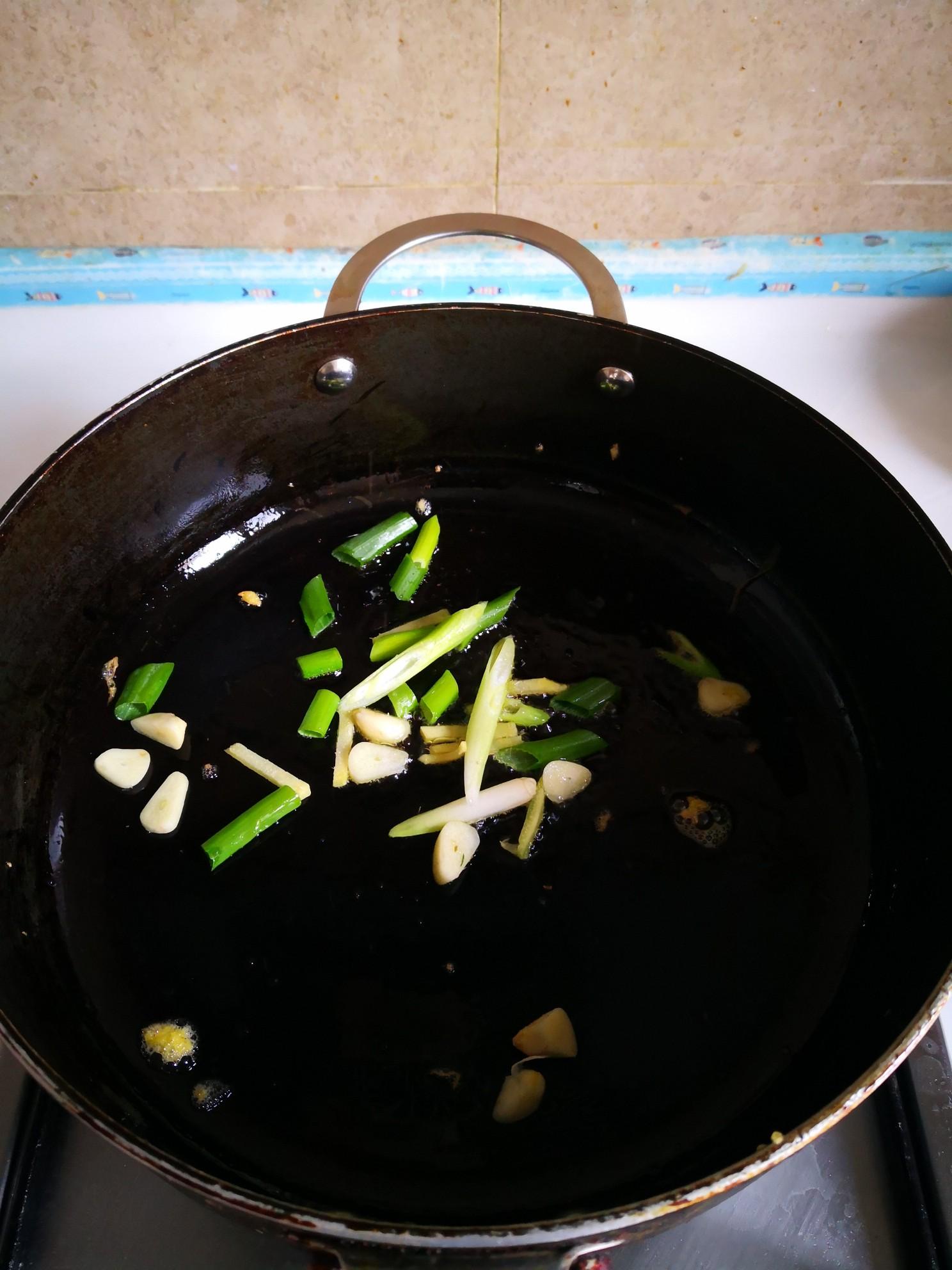 耗油鸡蛋炒瓜片的简单做法