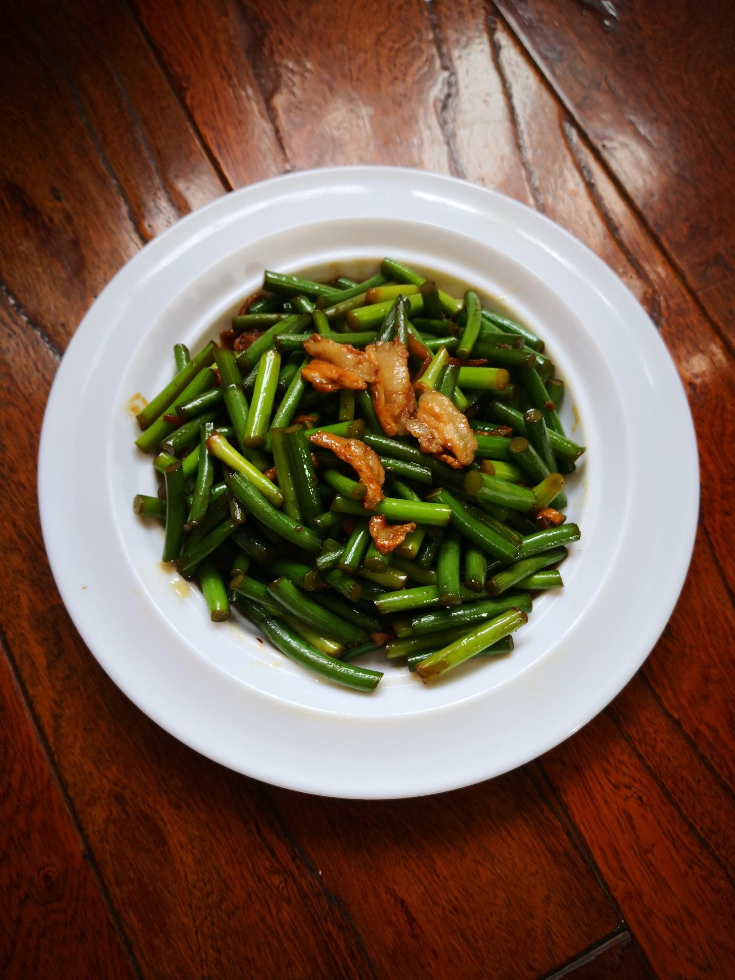 排骨肉炒蒜苔怎么煮