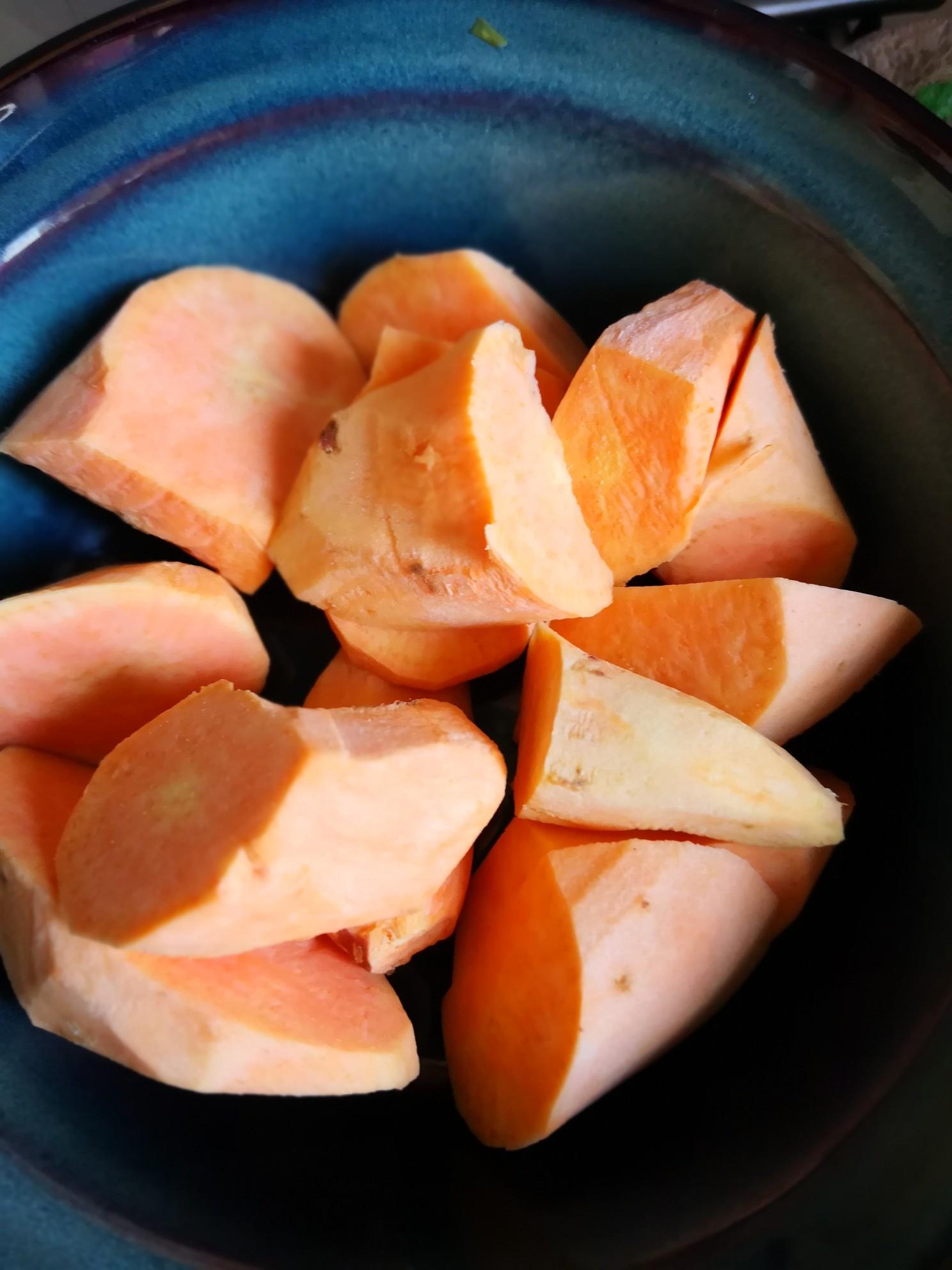 红薯炖黄金豆的做法图解
