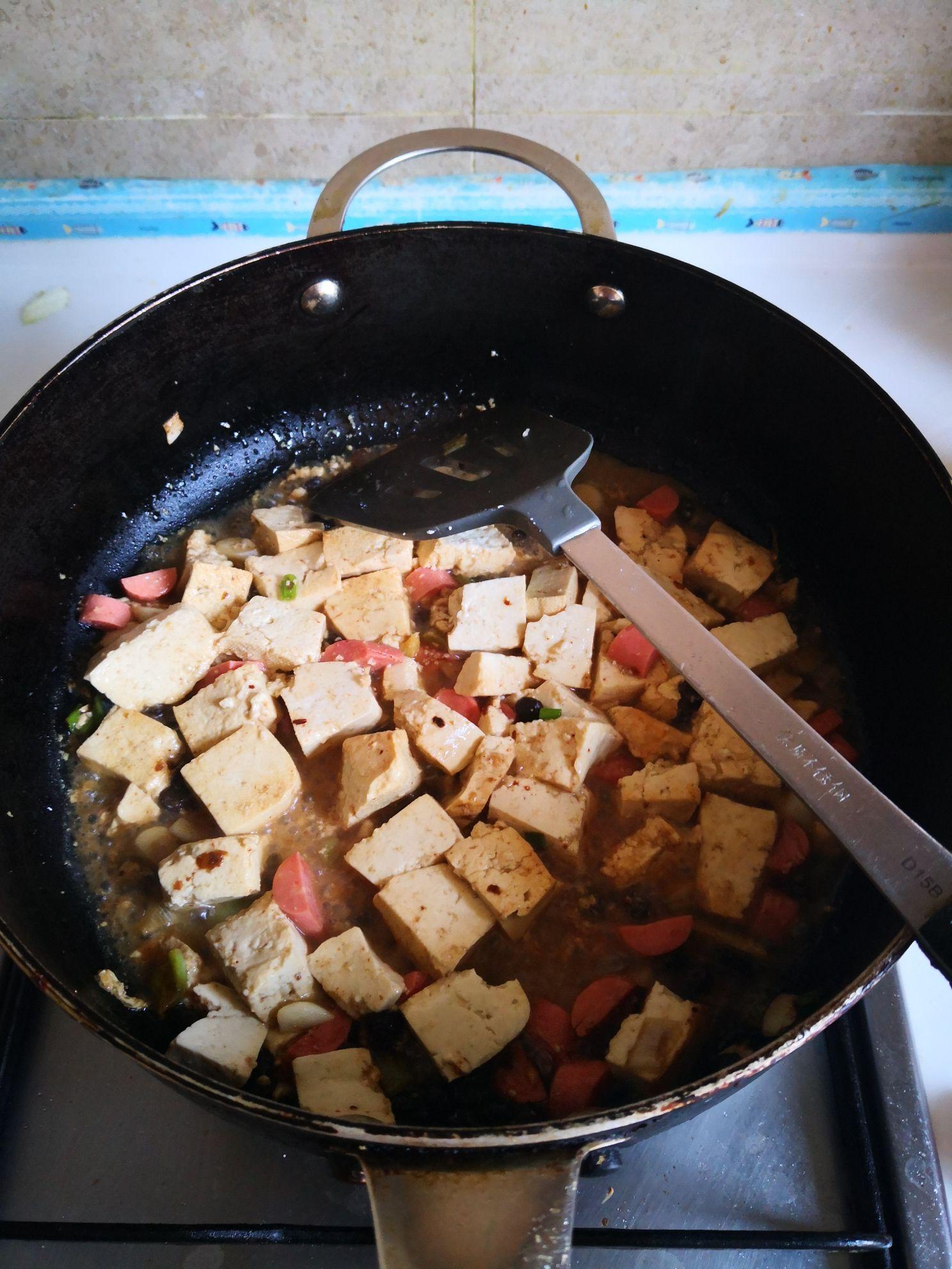 火腿肠炒豆腐怎么煮