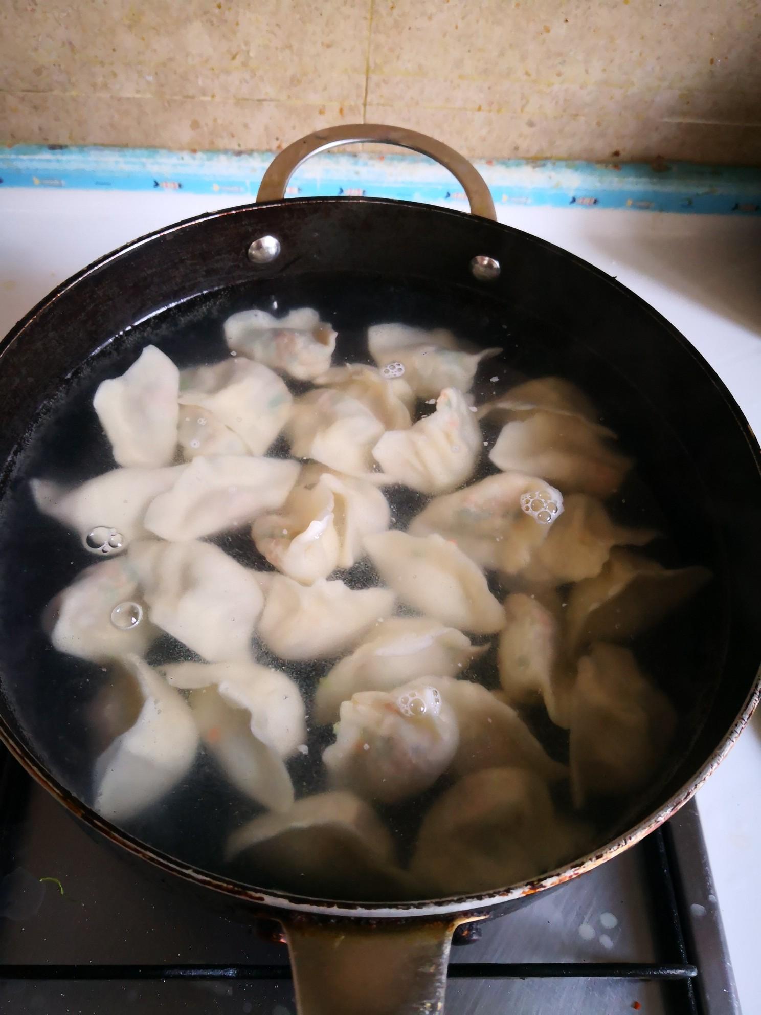 胡萝卜小白菜水饺怎么炖