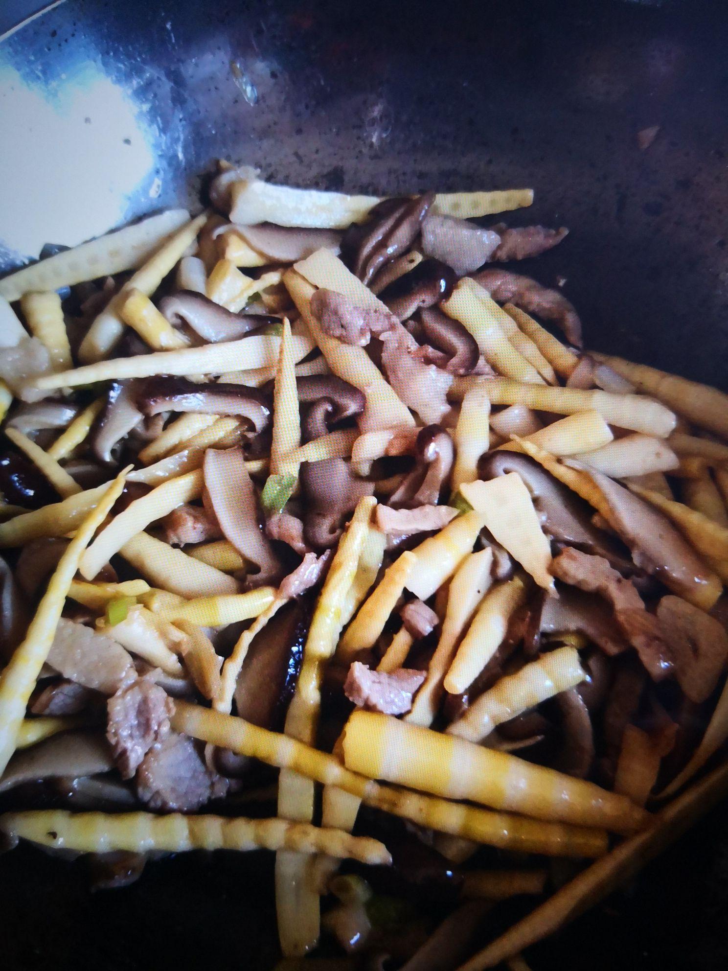 肉丝炒香菇笋丝怎么炒