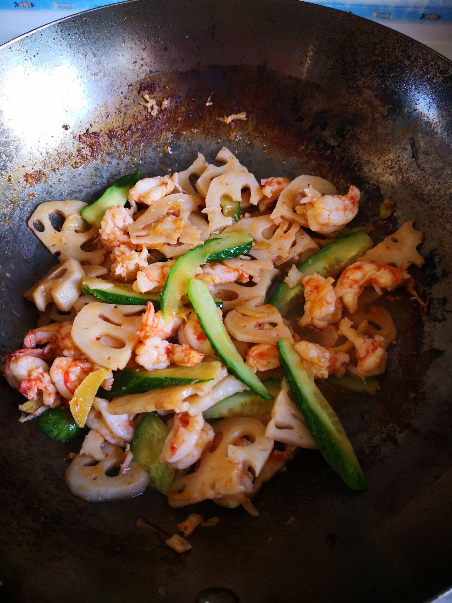 藕片炒鲜虾怎么煮