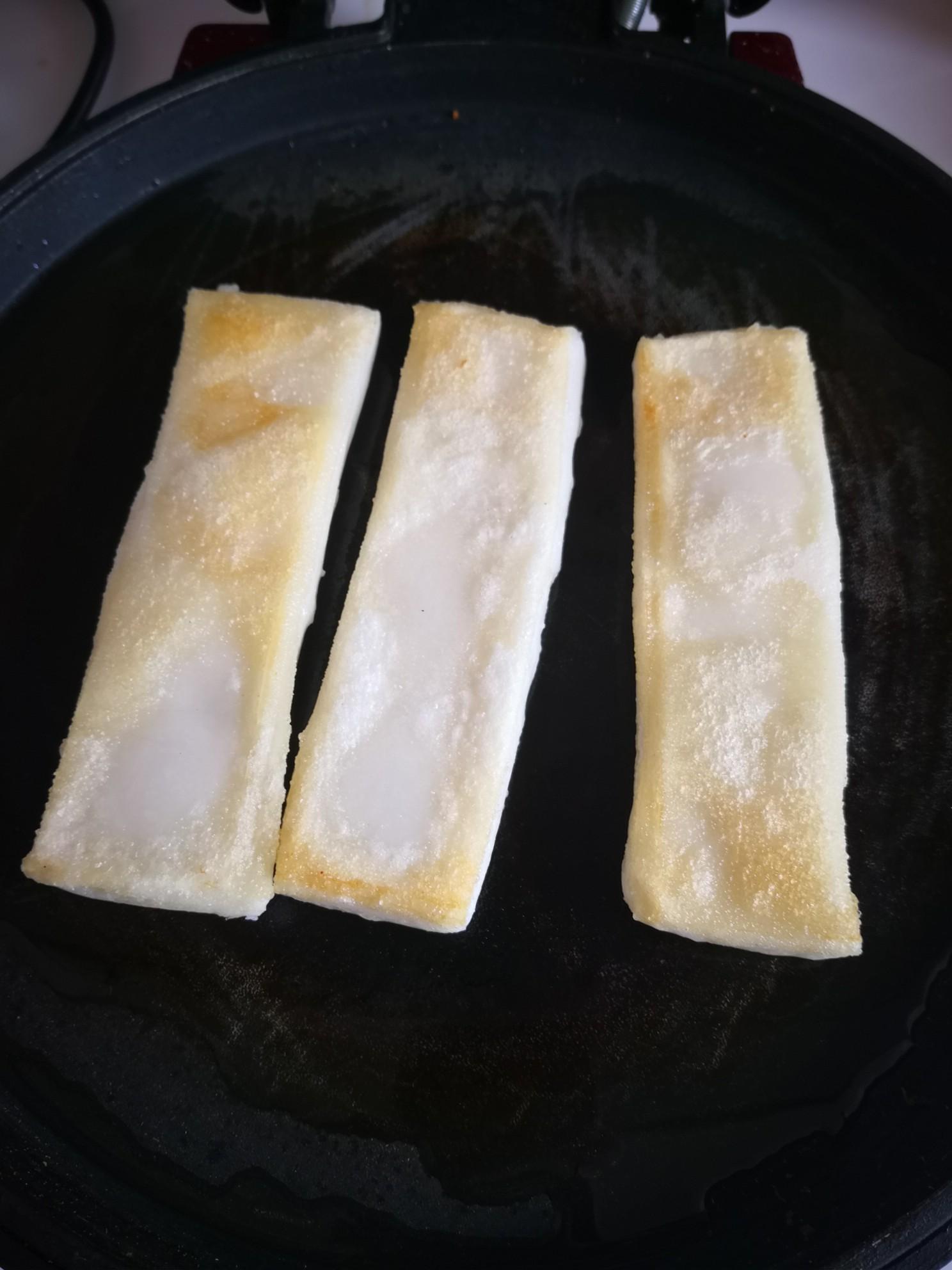 豆粉红糖油炸年糕的步骤