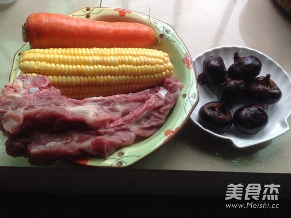 胡萝卜玉米排骨汤的做法大全