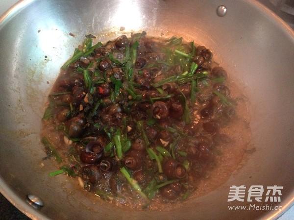 韭菜炒石磥怎么炖