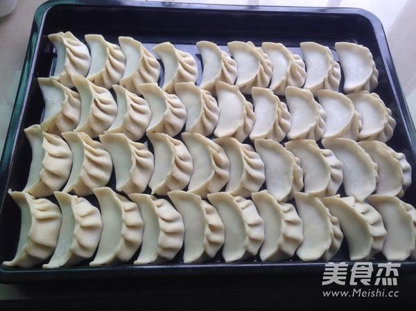东北白菜鲜肉水饺怎么煸