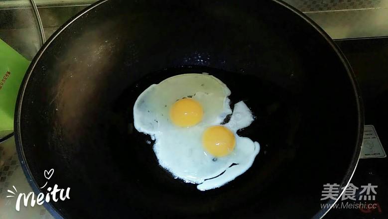 西红柿炒鸡蛋。的家常做法
