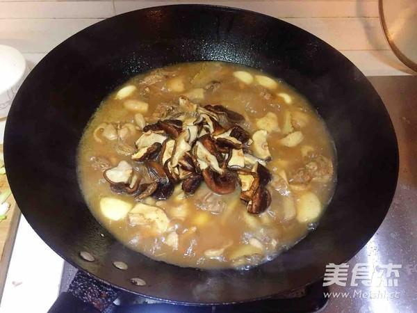 香菇蒜焖鸡怎样煸