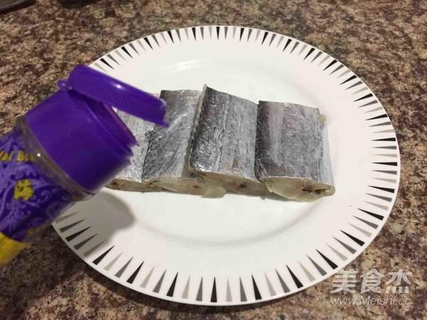 清蒸带鱼的家常做法