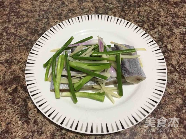 清蒸带鱼怎么吃