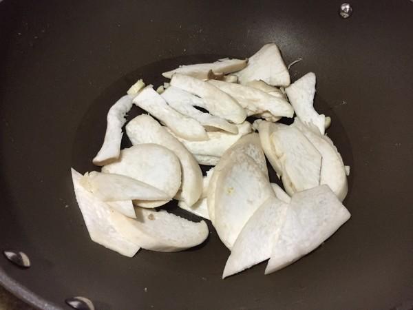 杏鲍菇银鱼鸡蛋的简单做法