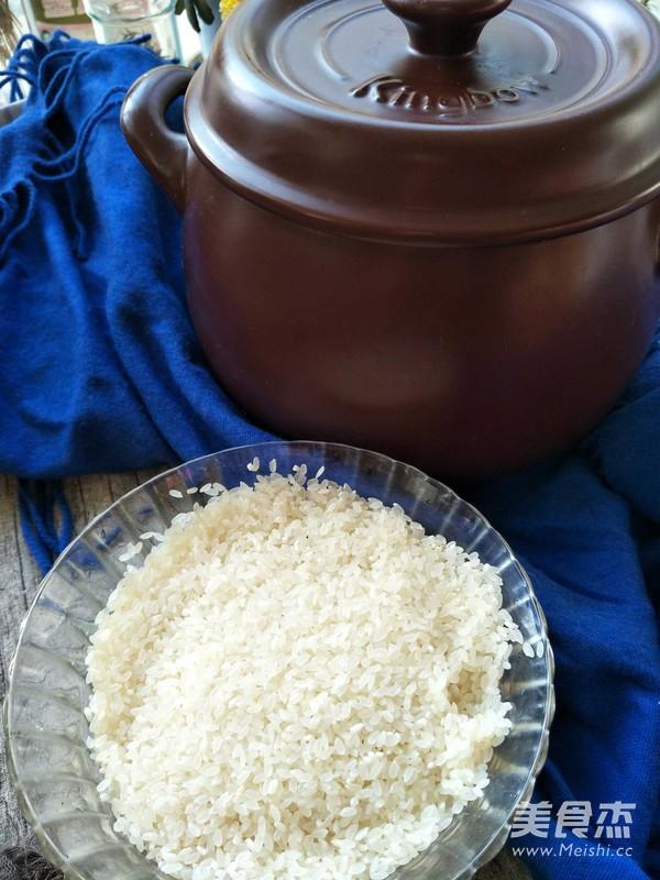 砂锅腊肠焗饭的家常做法
