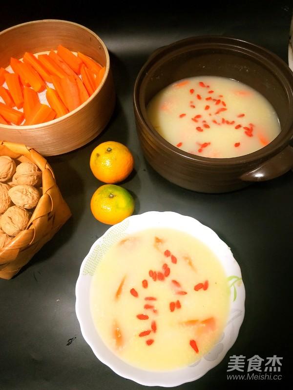 山药红萝卜小米粥成品图