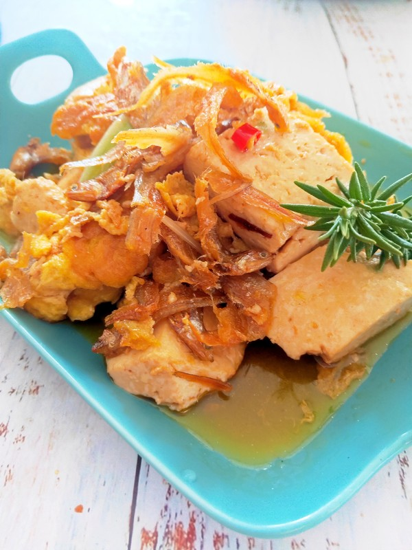 银鱼鸡蛋煨豆腐的做法图解