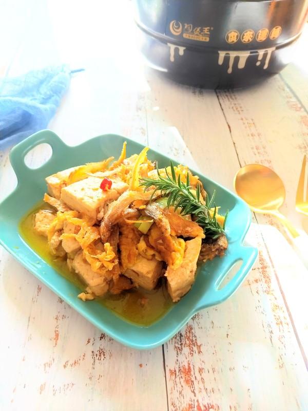 银鱼鸡蛋煨豆腐怎样煮