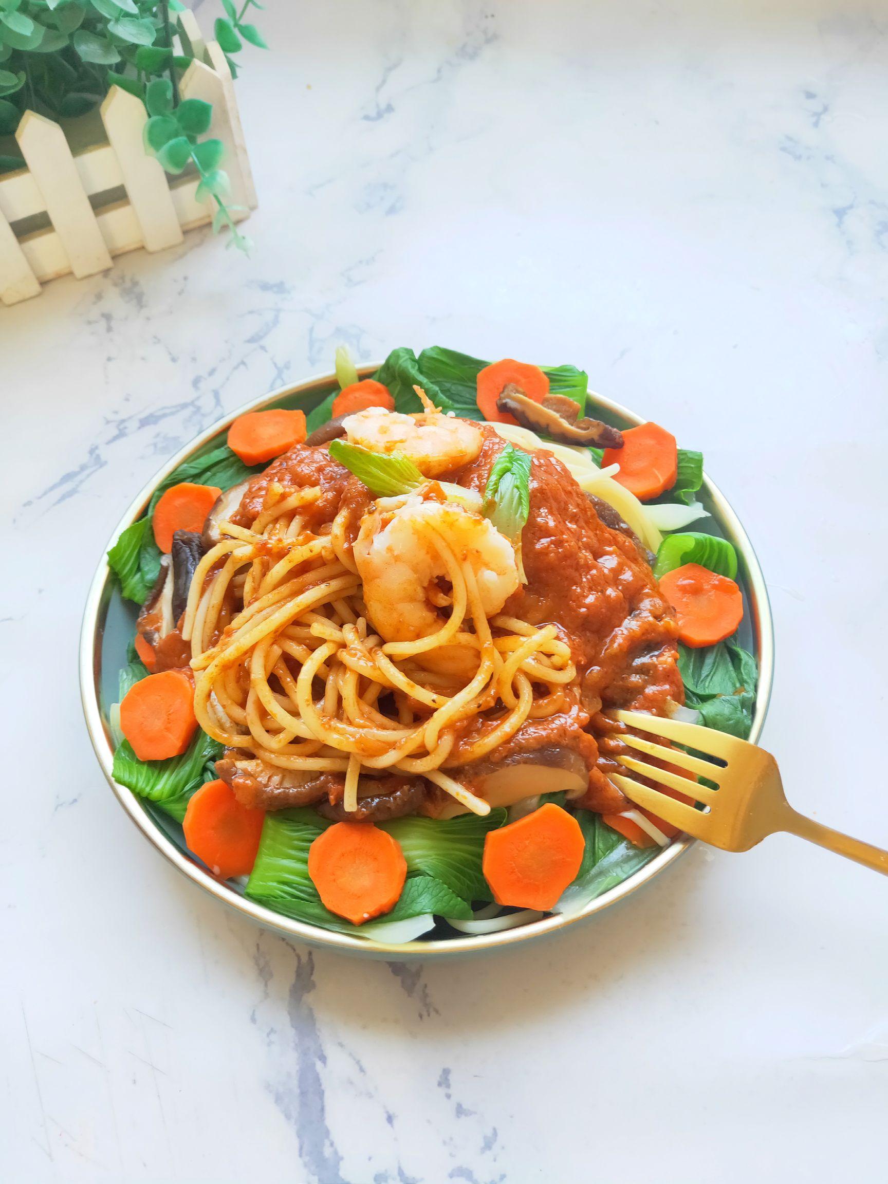 意大利肉酱鲜虾面的做法图解