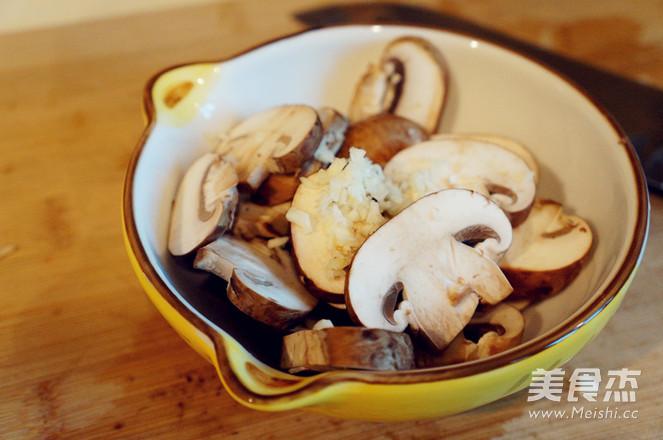 煎菲力配威士忌蘑菇酱的做法大全